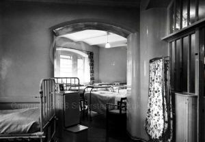 Dormitory of Ward 21 before modernisation. Note the closeness of the beds
