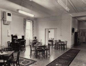 Ward 22 (Meadowside) After Local Modernisation Carried Out Under Mr. E Loseby The Group Engineer. It Is Interesting To Note That This Ward Was Built As A Female Dining Room When It Was Found That The Women PatientsCould Not Use The Main Dining Hall, Used By Male Patients From 1861