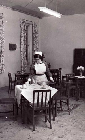 nurse_hartshorne_ward_22_dining_room_sm.jpg