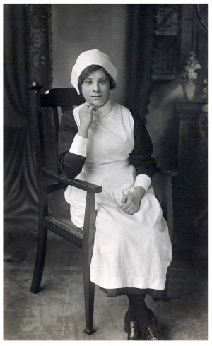 sarah_ellen_hartley_seated_sm.jpg